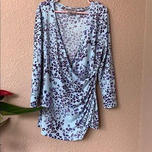 Jennifer Lopez blue leopard print half sleeve top